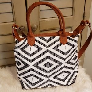 Handbags - Black and White Handbag